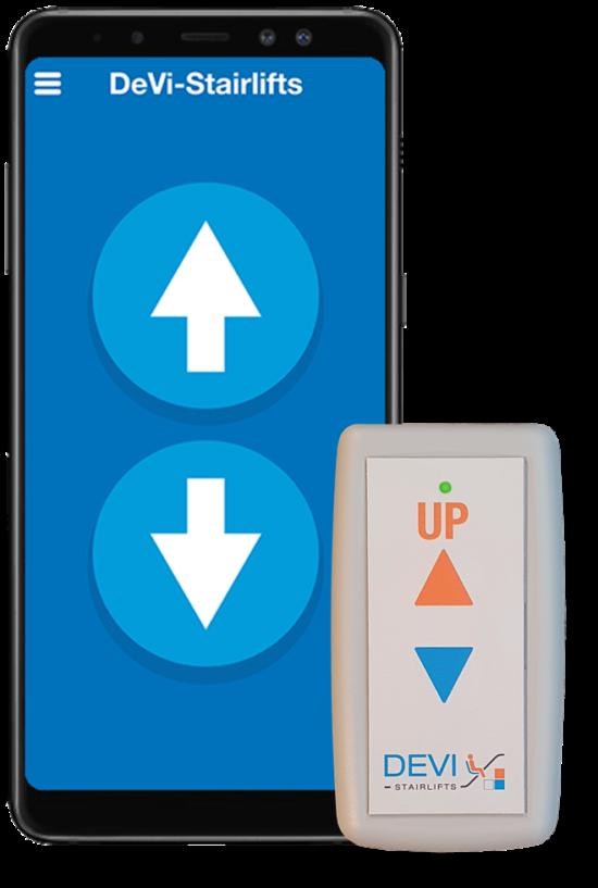 Dieses Bild zeigt ein Smartphone mit zwei Pfeilen im Display und eine weiße Funkfernbedienung mit zwei Pfeilen. Rubrik Treppenlift/Treppenlift kaufen/Treppenlift mieten/Kosten Treppenlift/Preise Treppenlift/Föderung Treppenlift